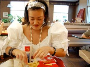 mcdonalds-wedding-dress-345.jpg
